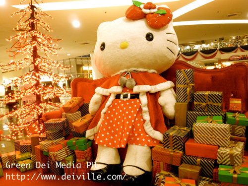 Hello Kitty Christmas Village at SM North The Block
